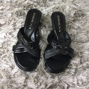 Damianis black sandals